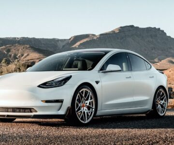 Elon Musk ve Elektrikli Oto