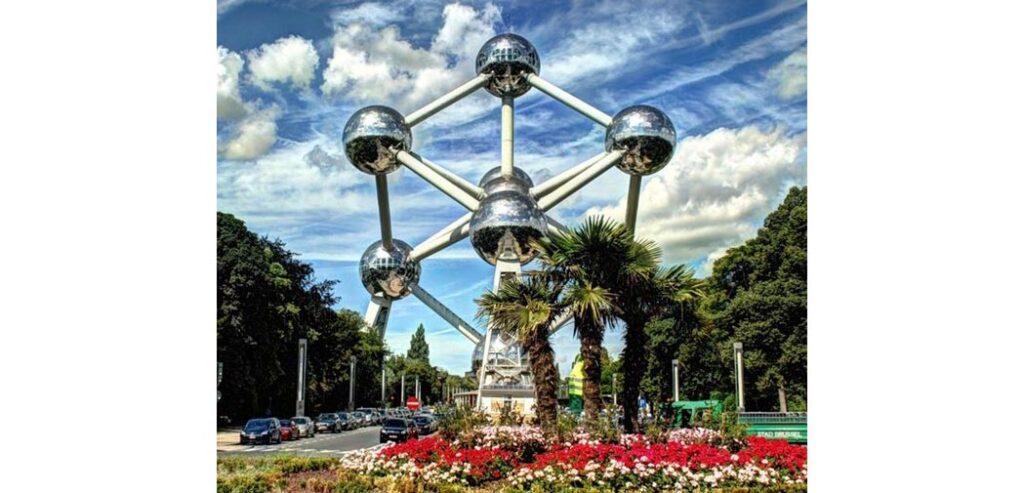 Atomium Heykel